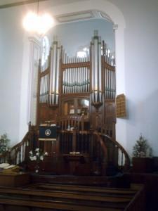 Pulpit and organ in August 2010 (c) Glen K Johnson