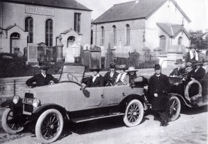 Outside Llwynadda circa 1930 (Glen Johnson Collection)