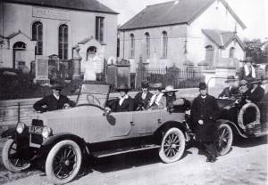 Outside Llwynadda circa 1930 (Glen Johnson Collection)