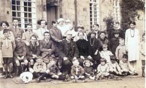 Staff and orphans at the Workhouse, 1927 (Glen Johnson Collection)
