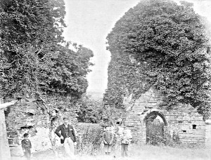 Visitors between the Infirmary and Chapter House before 1900 (Glen Johnson Collection)