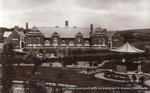Victoria Gardens circa 1920. Valentine's Series (Glen Johnson Collection)