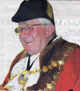 Wynne Evans, Mayor of Cardigan, 2006 (Tivy-Side Advertiser)