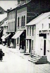 High Street, including No. 18, circa 1875 (Glen Johnson Collection)
